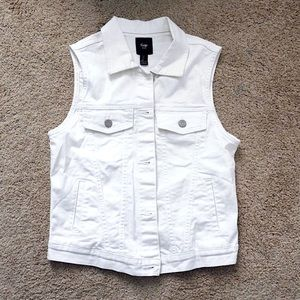 Sleeveless GAP Jean jacket